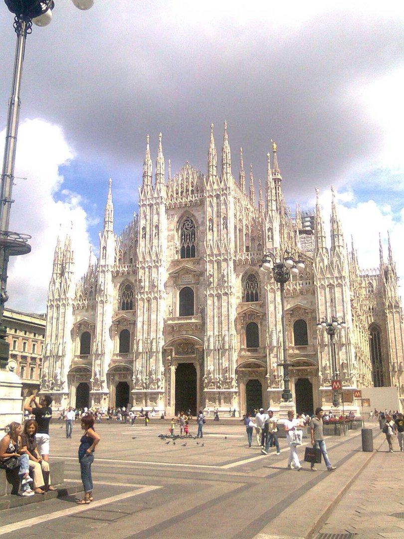 Duomo di Milano in un giorno d'Agosto