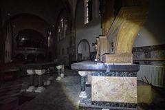 durch den Altar geschaut...