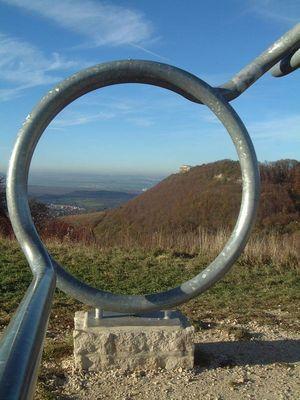 """Durch die """"Brille"""" Blick ins Tal"""