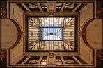 Durchblick durch ein Mailänder Glasdach