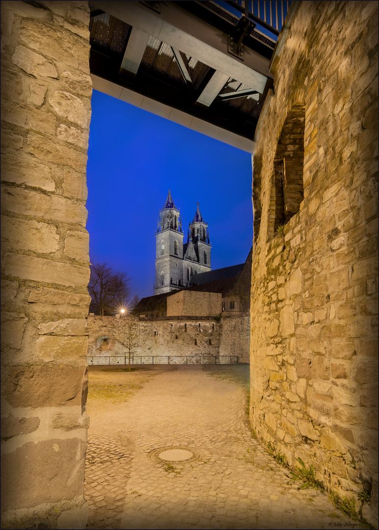 Durchblick zum Magdeburger Dom