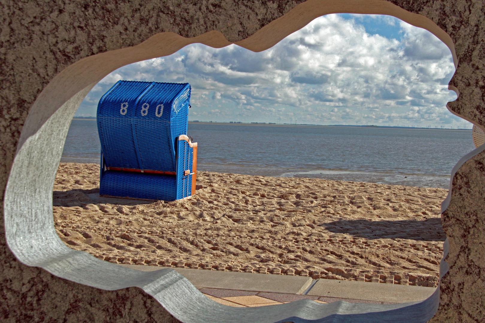 Durchblick zum Strandkorb