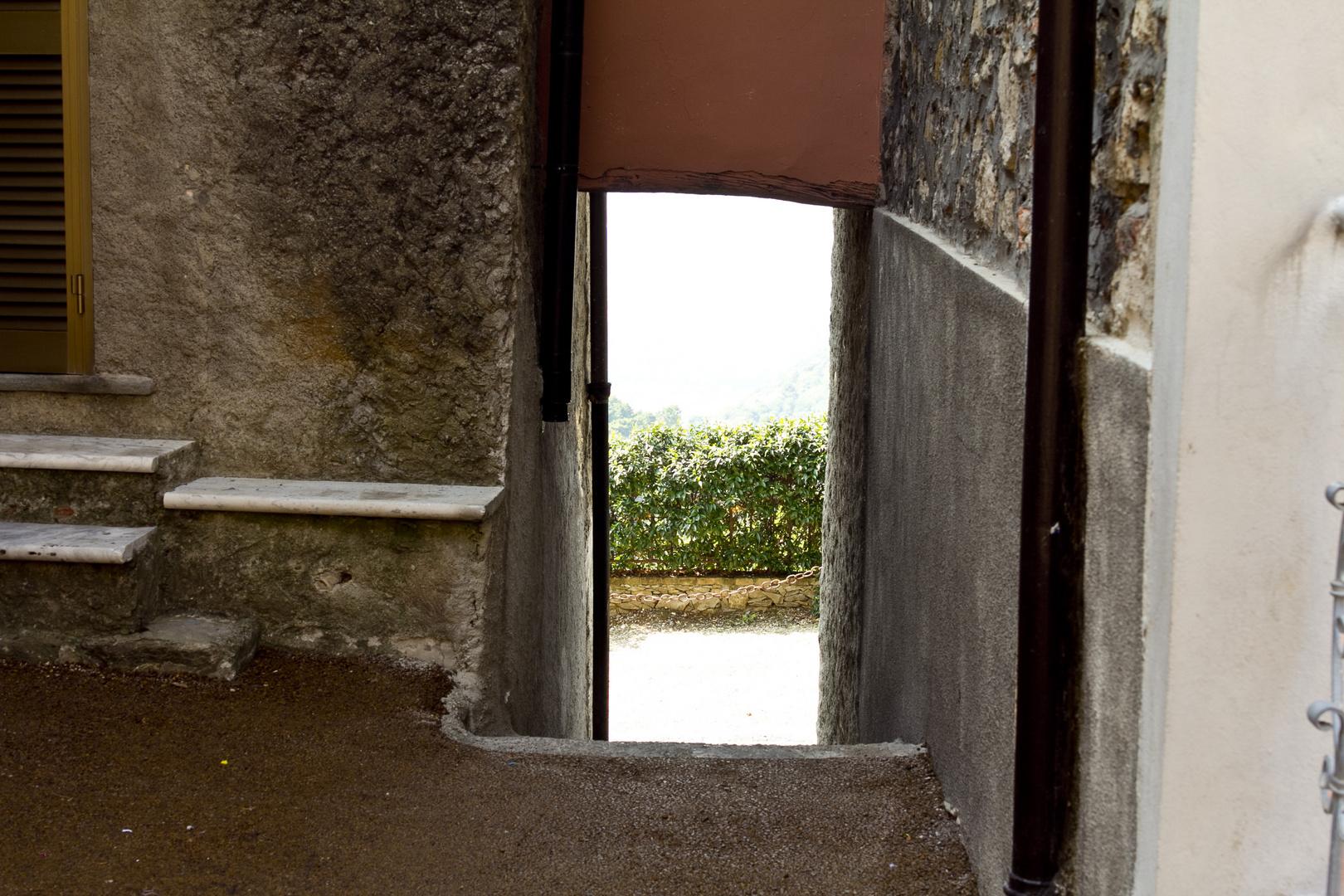Durchgang ins Tal ( Italien )