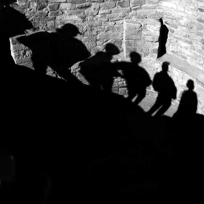 Durchweg also würden die Gefangenen nichts anderes für wahr gelten lassen als die Schatten