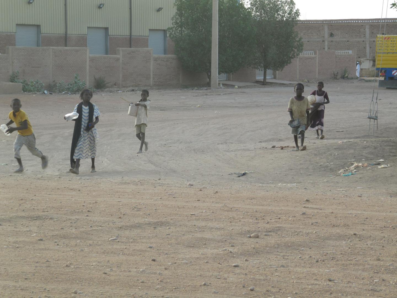 Durst!? Kinder in Karthum (Sudan)