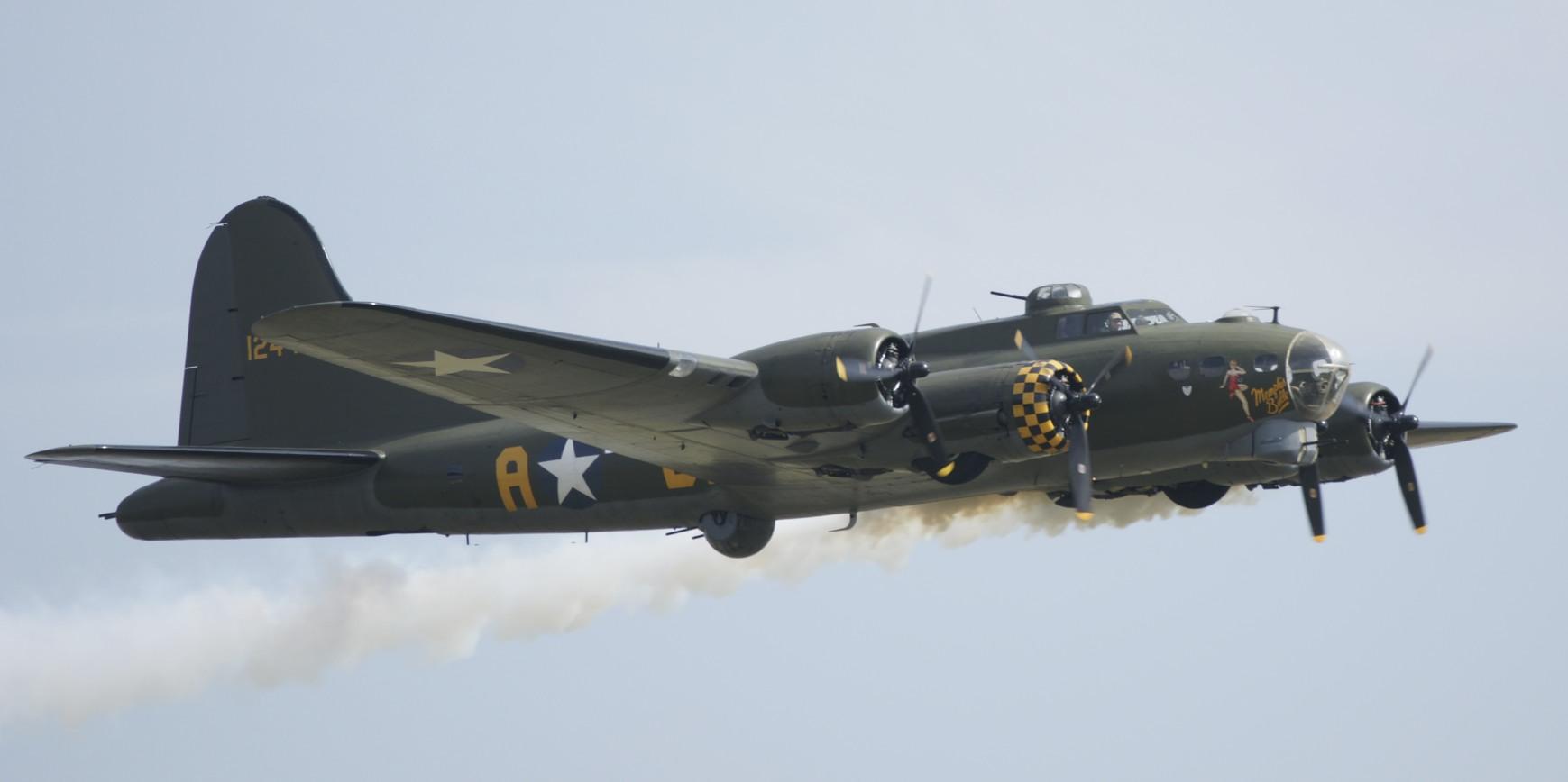 Duxfort 2011 B-17 Flying Fortress Sally B