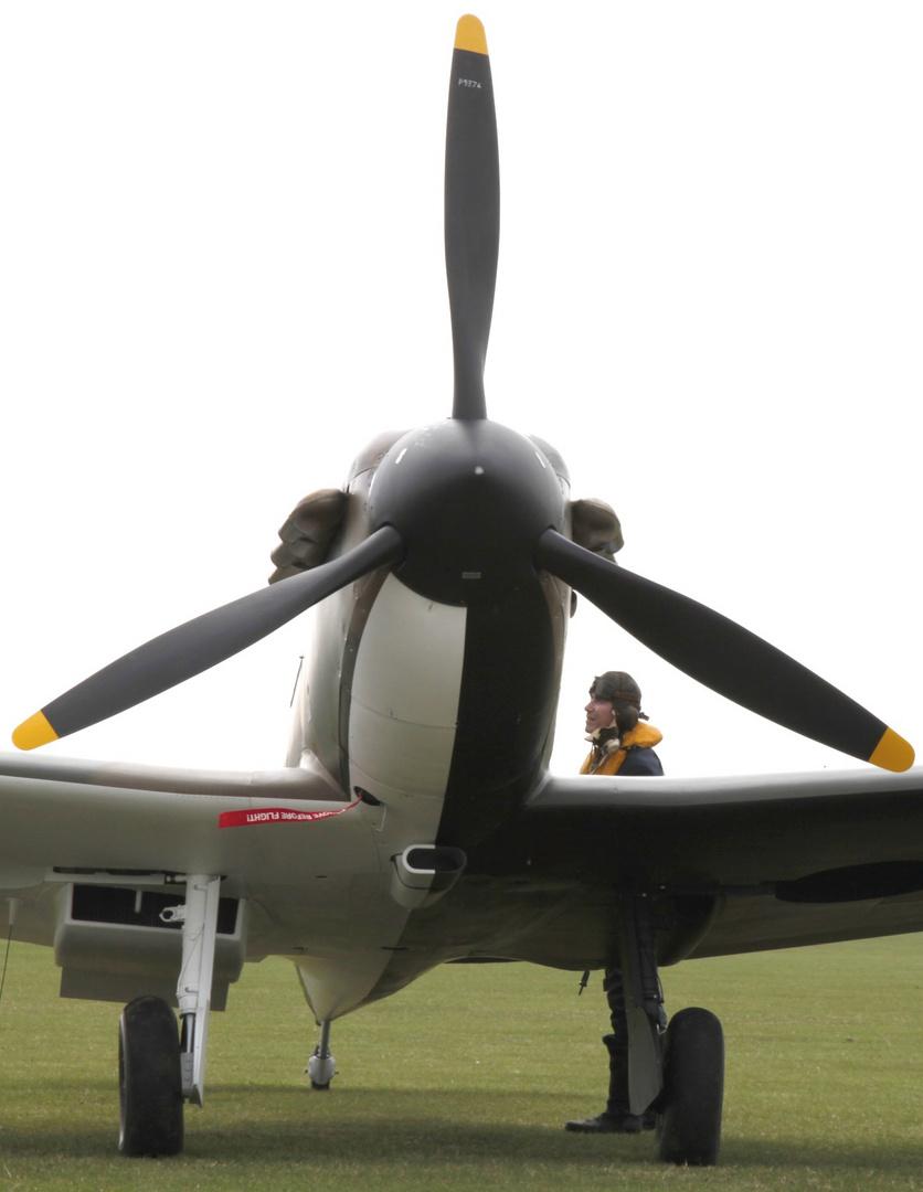 Duxfort 2011 Spitfire Pilot .