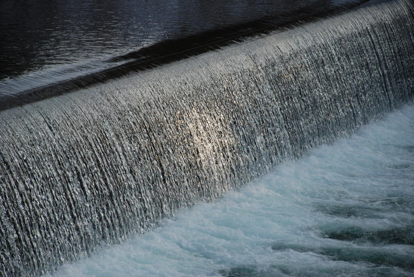 Dynamische Wasserkraft,gebändigt