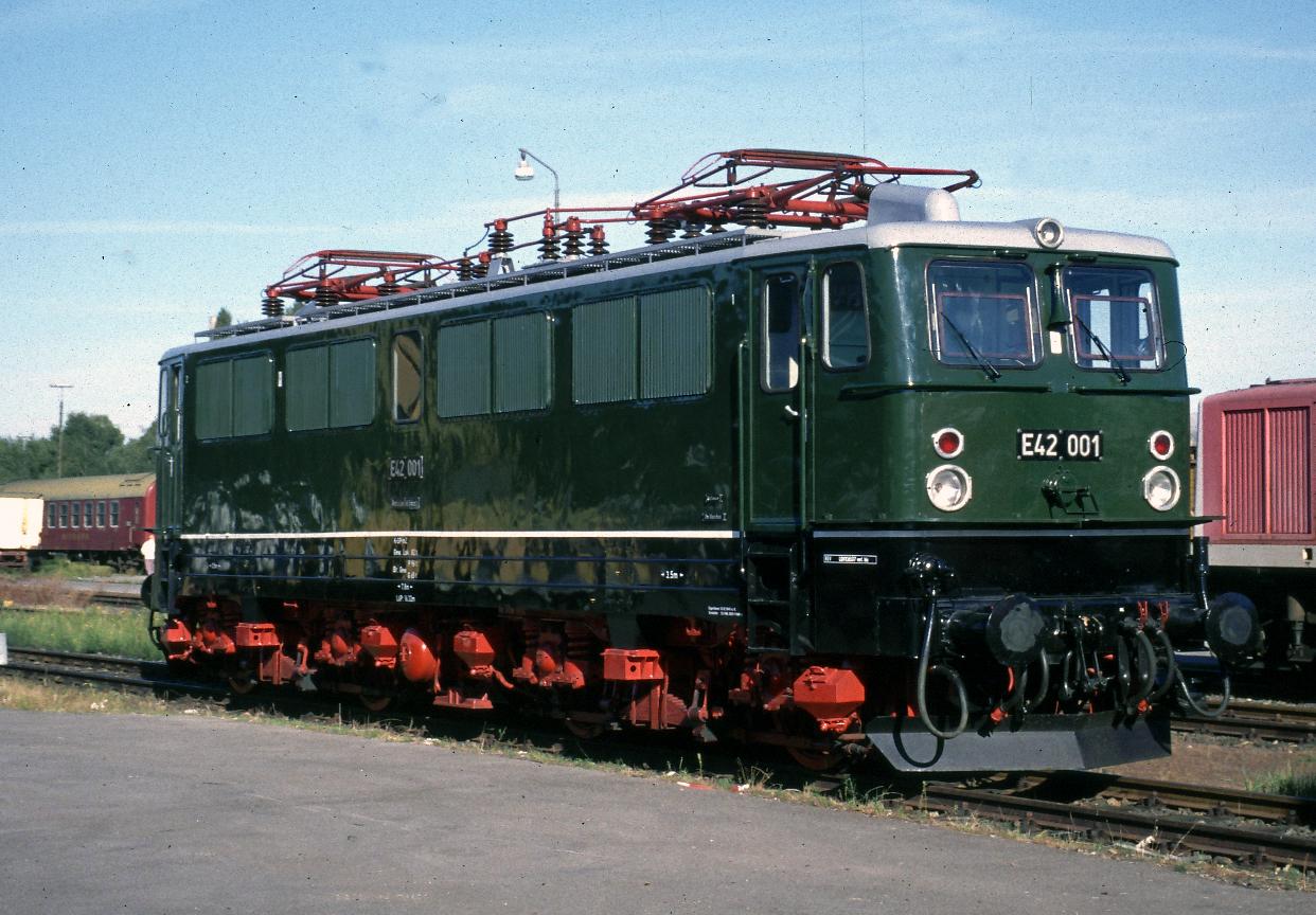 E 42 ooI in Aachen West I999