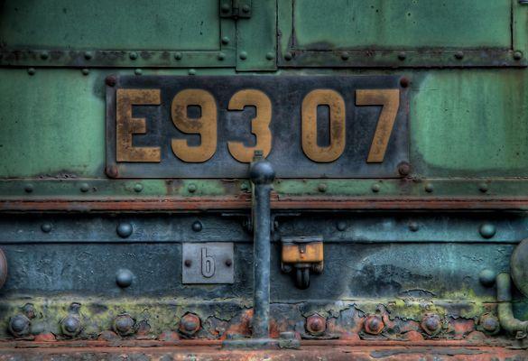 E 93 07