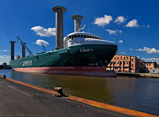 E-Ship 1 im Emder Hafen