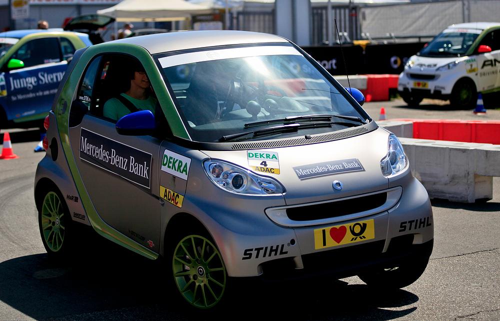 e-Smart (03) - Elektroantrieb, prima Kurvenlage.