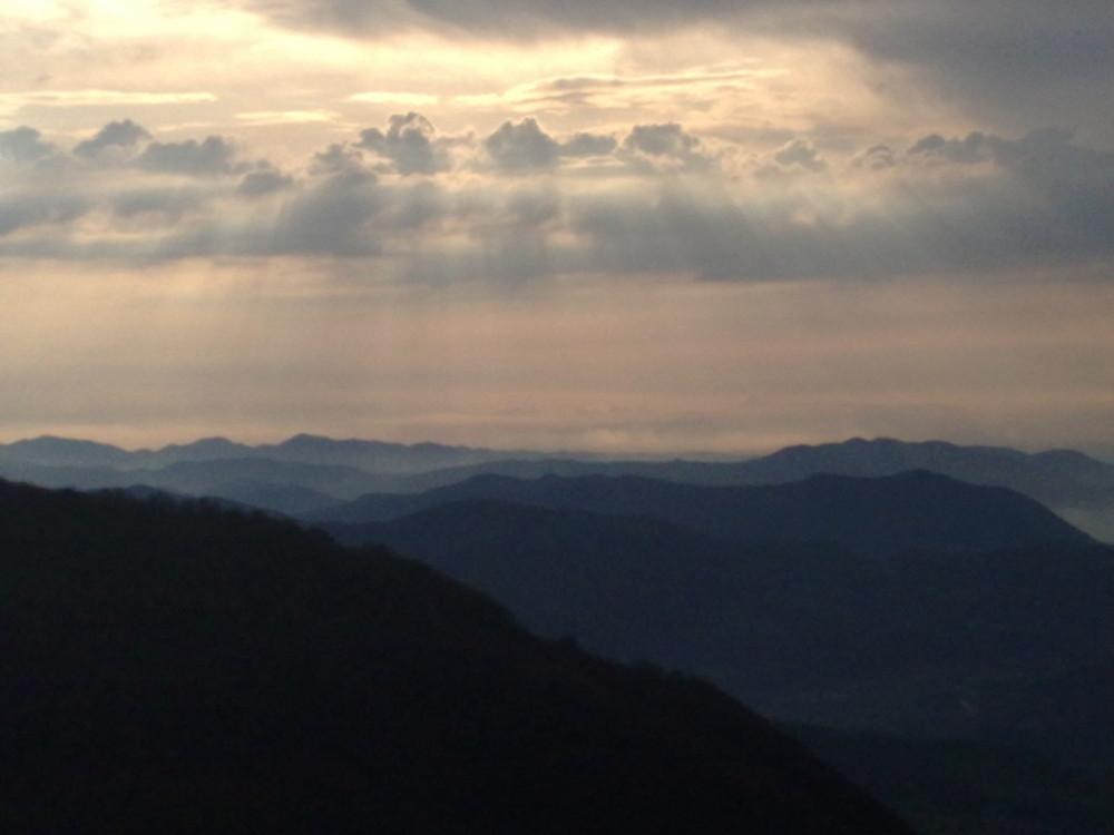 E Viene la sera sulle valli d'Oltrepò