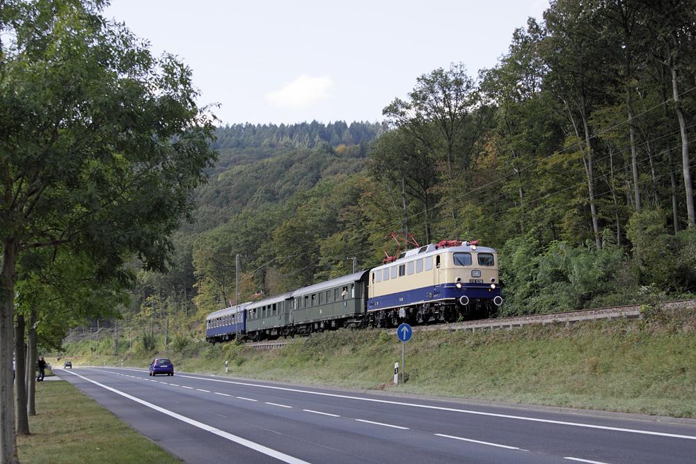 E10 1239 im Neckartal unterwegs