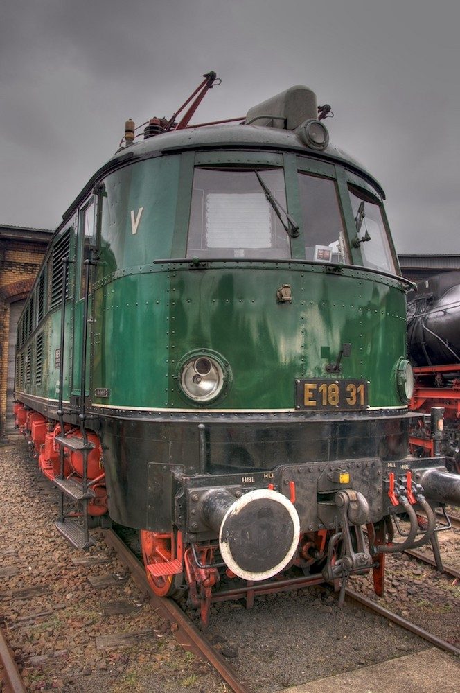 E18 31