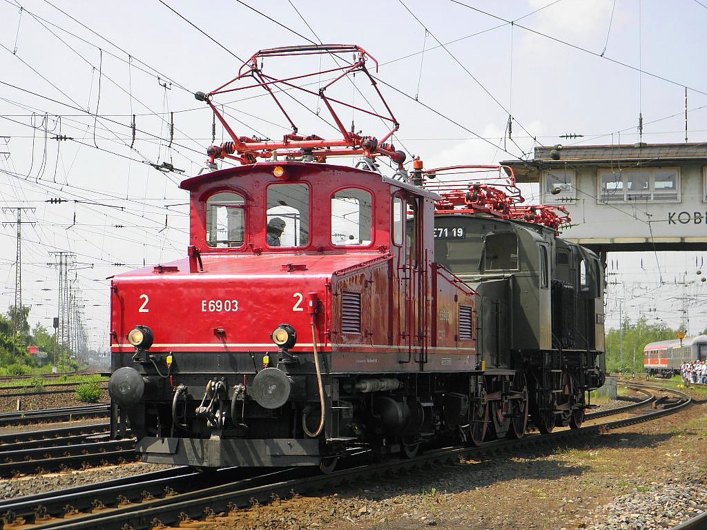 E69 03 mit Anhängsel