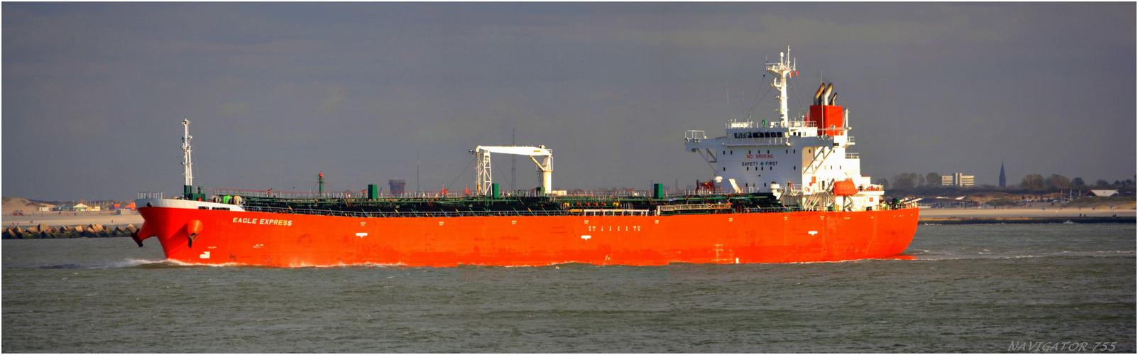 EAGLE EXPRESS / Oil Products Tanker / Maasmond / 23.10.2013
