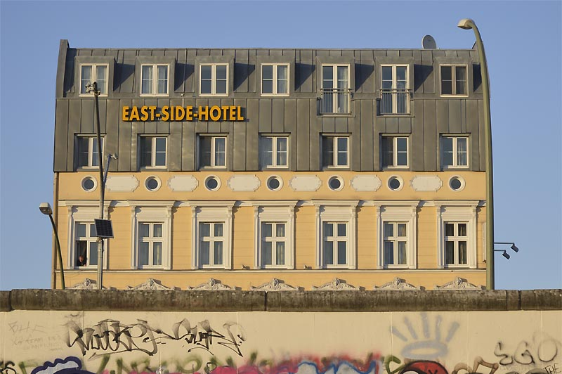Eastside Hotel an der Eastsiede Gallery, Berlin