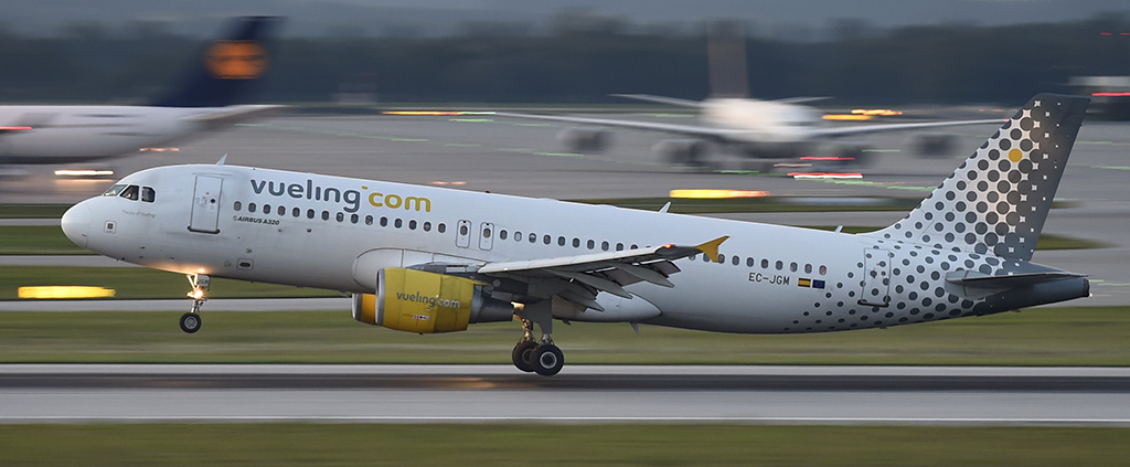 EC-JGM - Vueling - Airbus A320