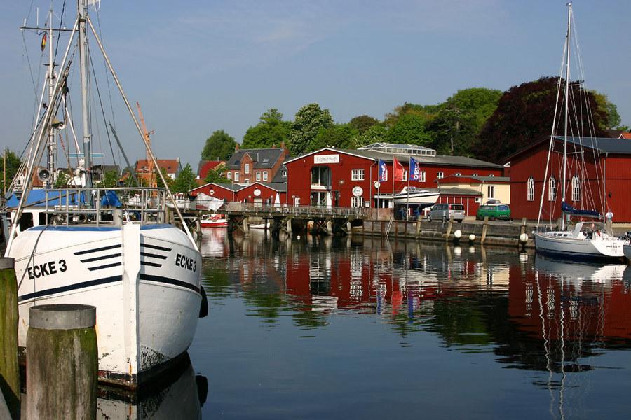 Eckernförder Hafen am Morgen