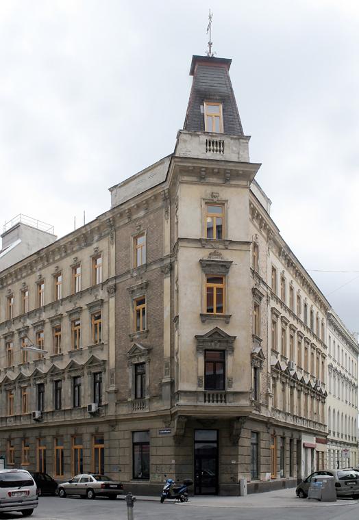 Eckhaus im 15. Bezirk