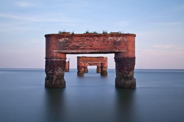 Eckwarderhôrne - sie harren aus...die Reste vom Pier ...