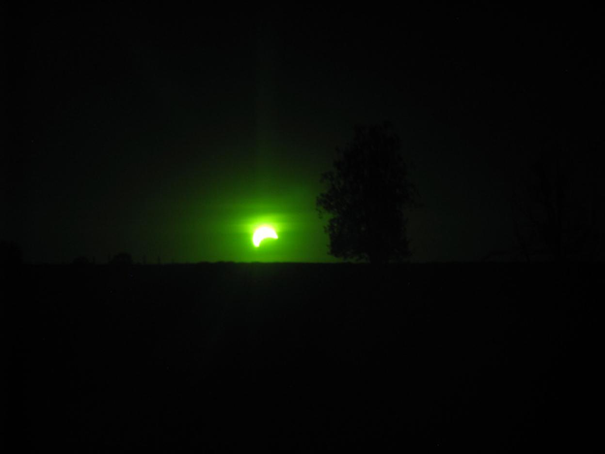 Eclipse solar en mi patio...
