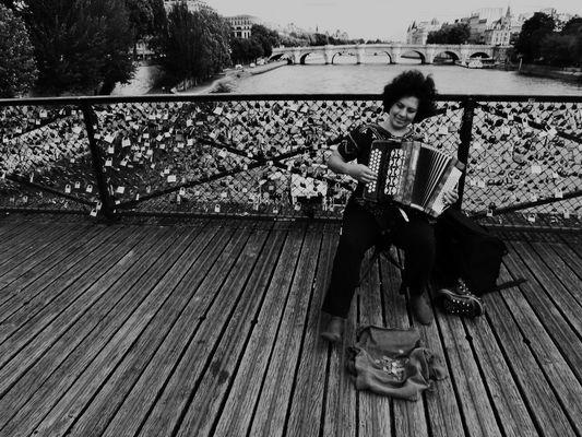 Ecoutez l'accordéoniste