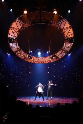 ed il circo creò....la luce!