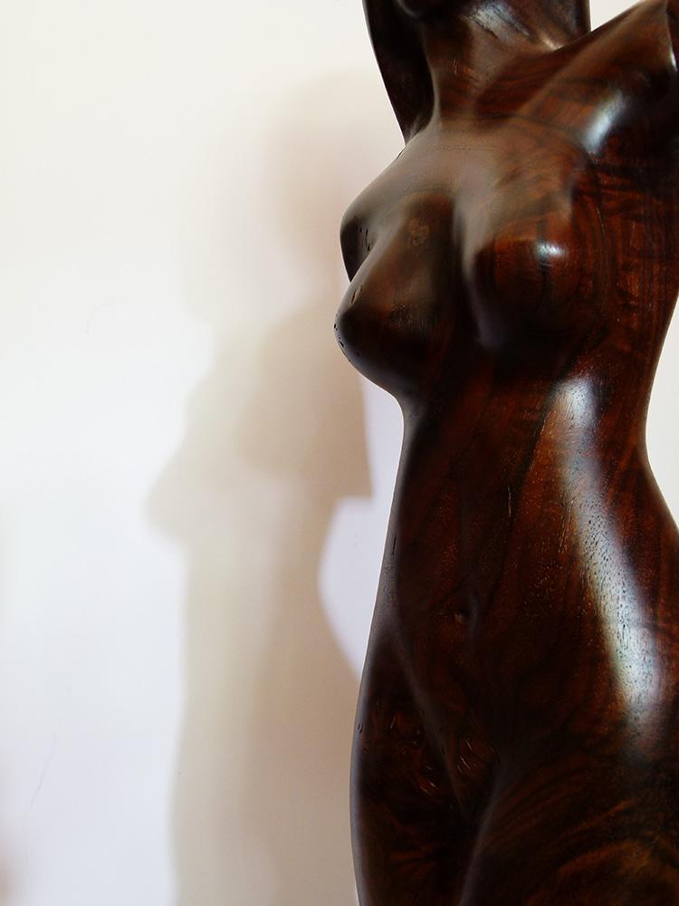"""Edel-Holzskulptur """"Chocolat 2"""" von Gunnar Mozer"""