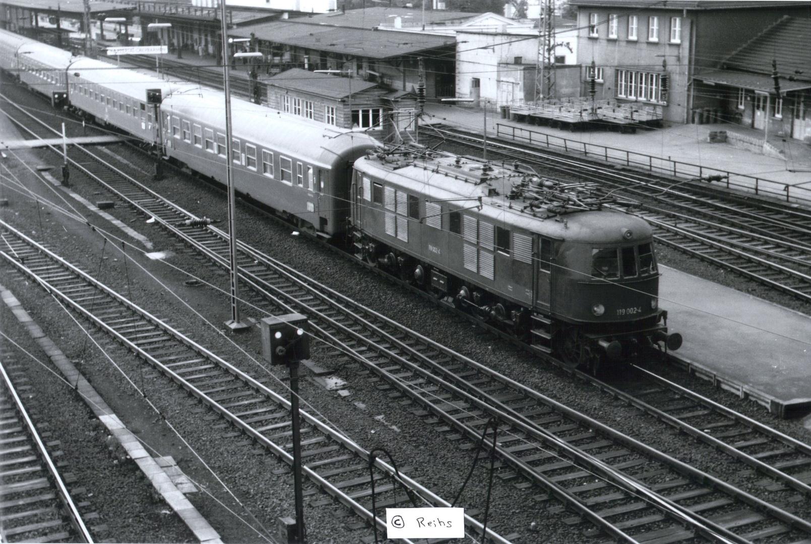 """ EDELHIRSCH "" BR 119 ( E 19 ) in Wupertal Oberbarmen 1969"