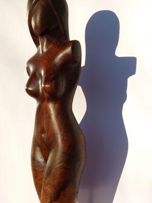 """Edelholz-Skulptur """"Chocolat"""" von Gunnar Mozer"""