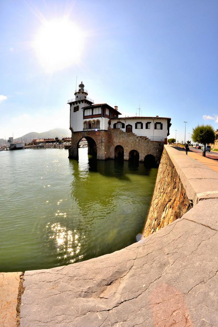 edificio cruz roja del mar en Getxo Bizkaia