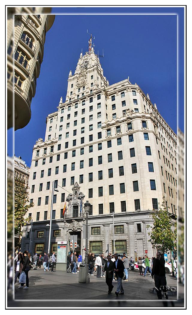 Edificio de Telefonica en la Gran Via de Madrid. Panoramica vertical 5 Img. GKM3