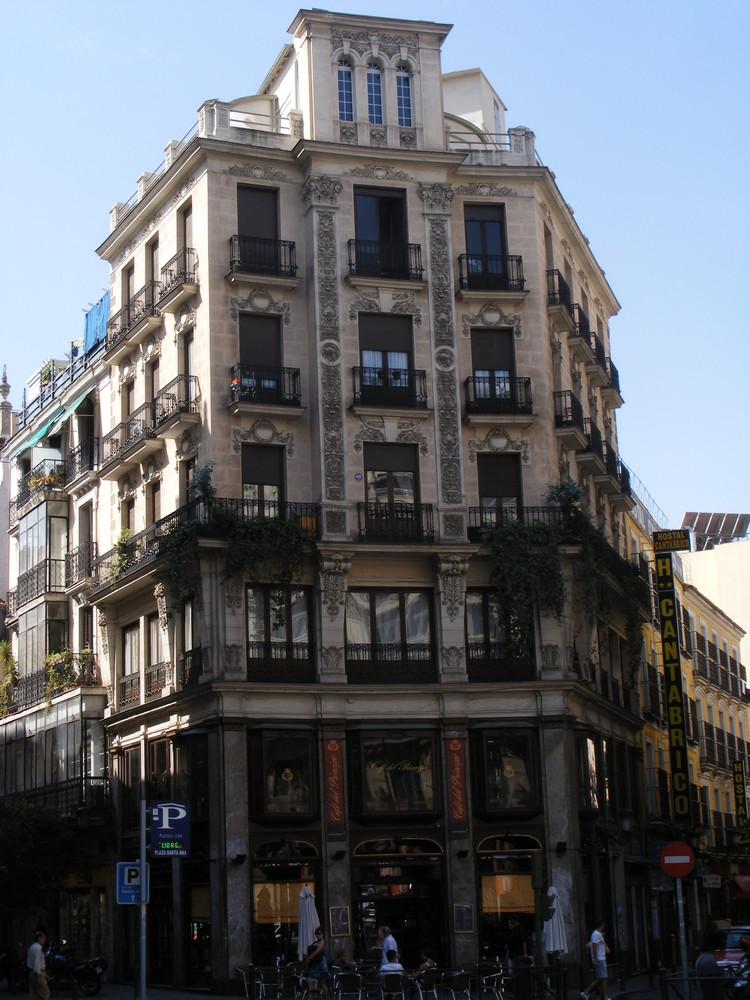 Edificio en plaza canalejas madrid imagen foto for Edificio puerta real madrid
