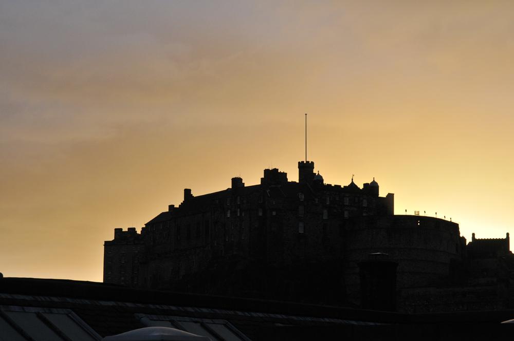 Edinburgh Castle bei Sonnenuntergang