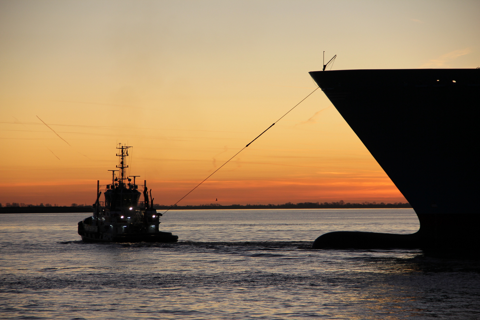 Edith Maersk hängt am Band
