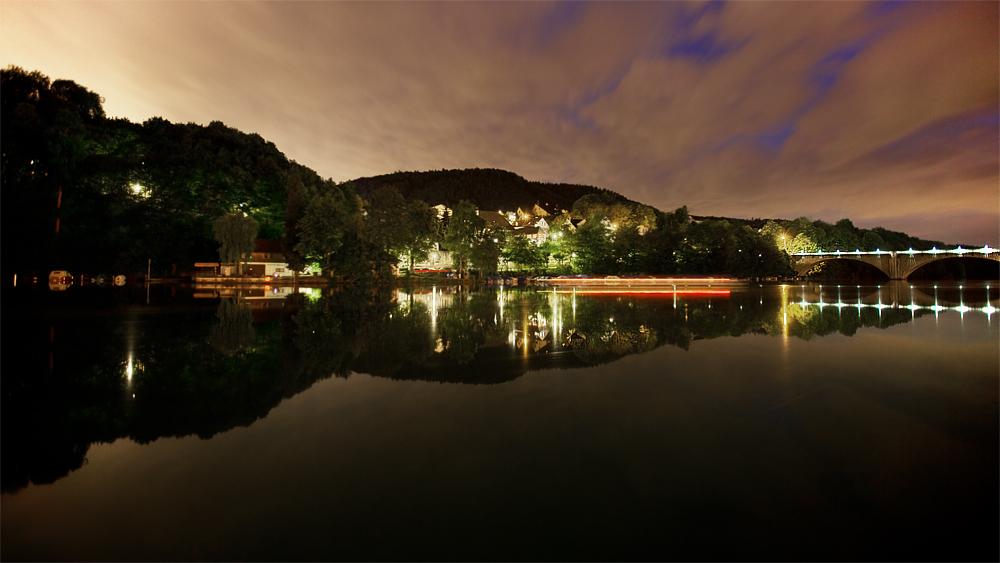 Eglisau am Rhein mit Nachthimmel