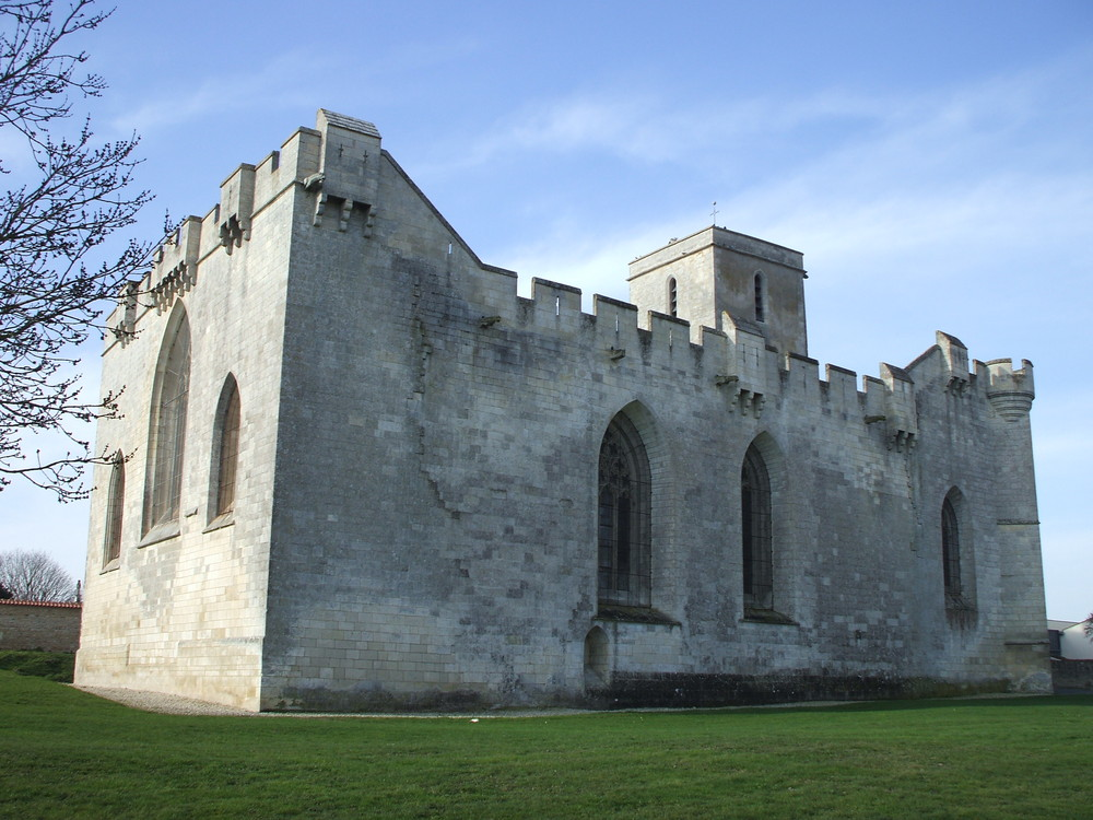 Eglise fortifiée d'Esnandes, Charente Maritime