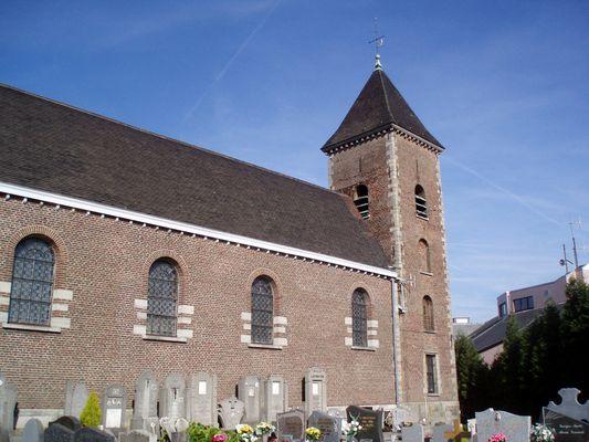 Eglise paroissial et cimetière du Mont St Aubert (BE)