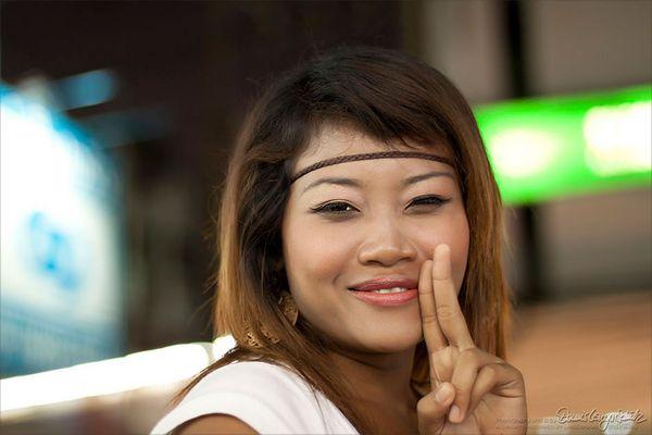 Thailand frau sucht mann seite: backpage.com