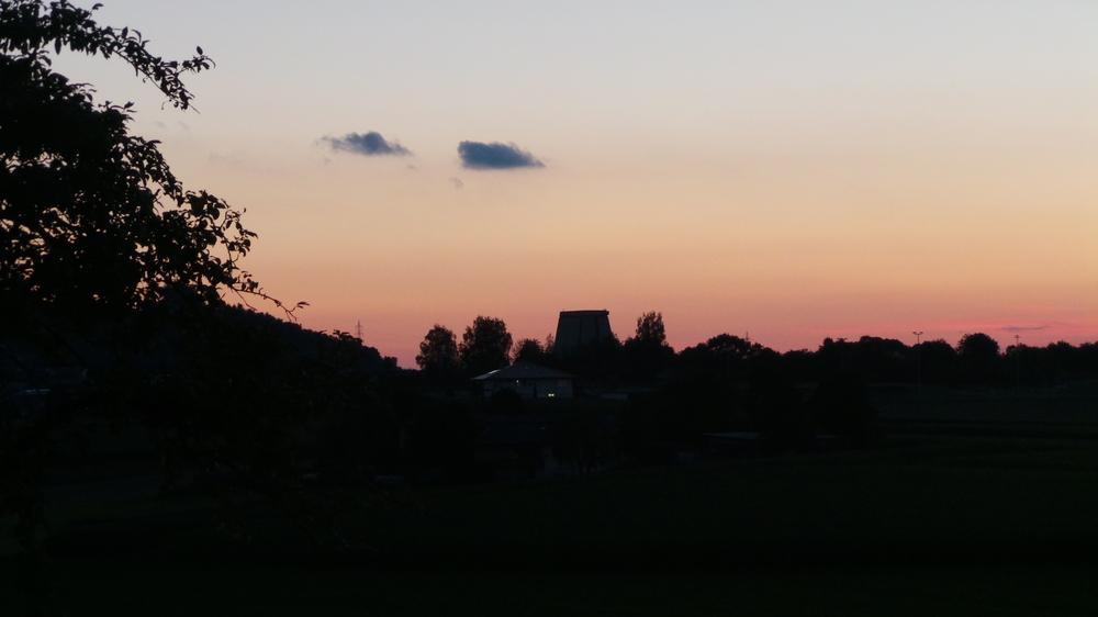 ehemaliger ANT - Turm im Abendhimmel