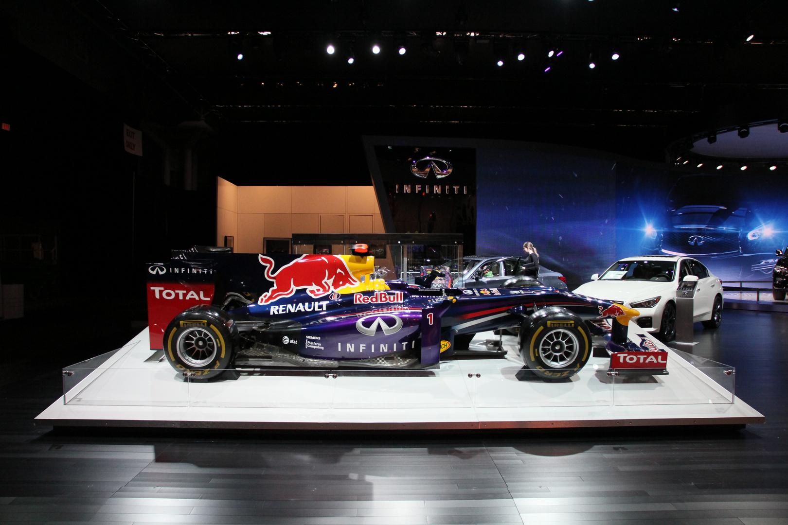Ehemaliges Formel I Fahrzeug von Sebastian Vettel