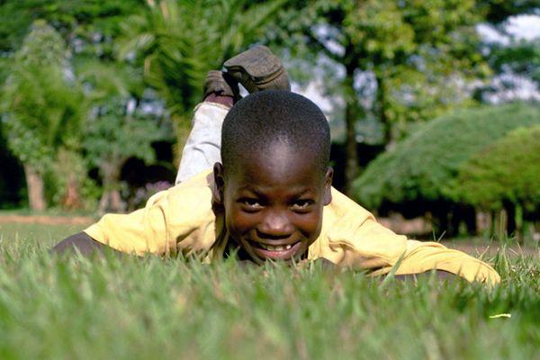 Ehemaliges Straßenkind in Kenia