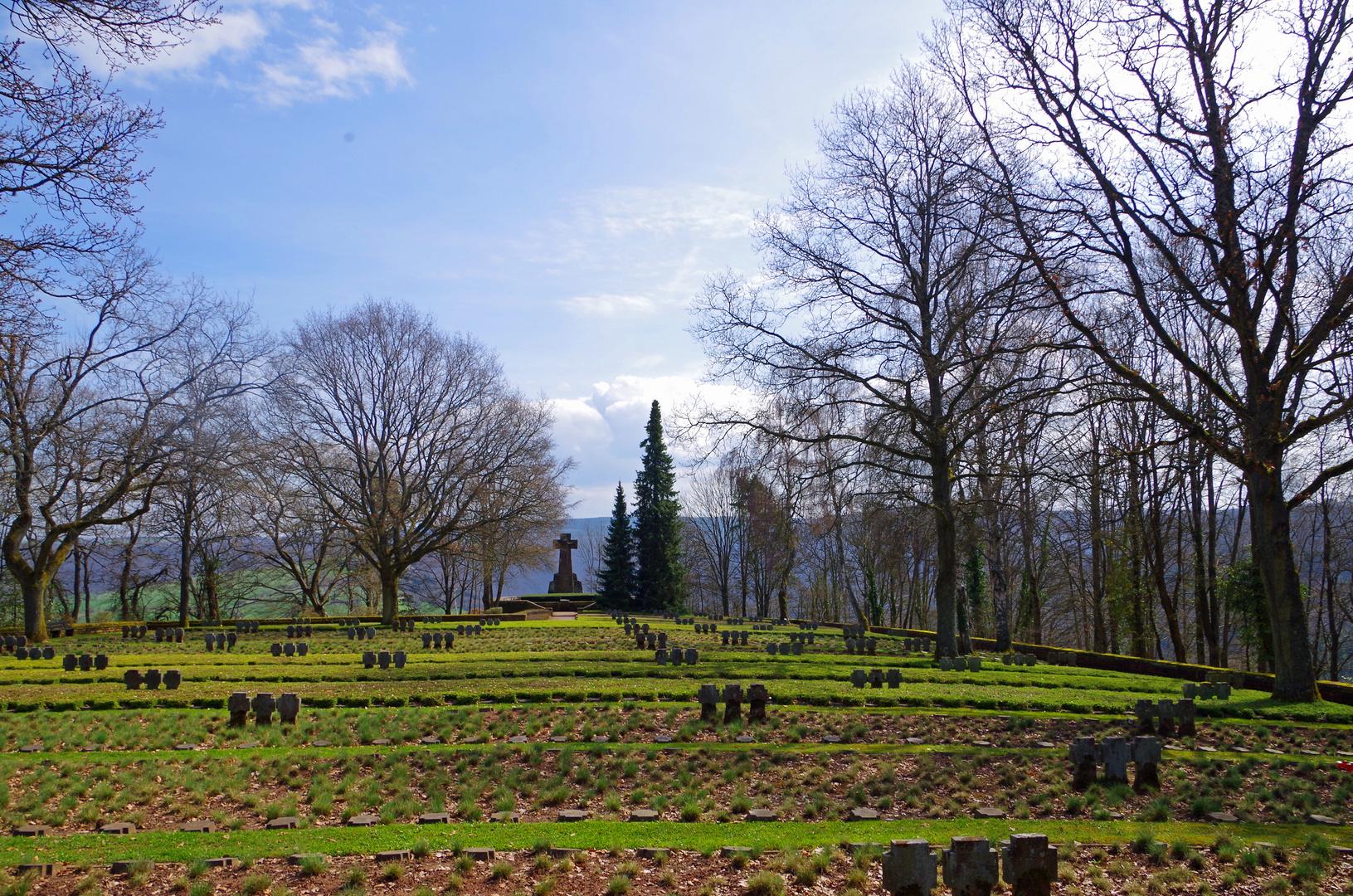 Ehrenfriedhof Kastel Staadt