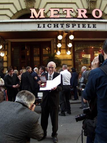 Ehrung von Prof. KR. Otto Pammer mit dem Goldenen Verdienstkreuz der Stadt Wien