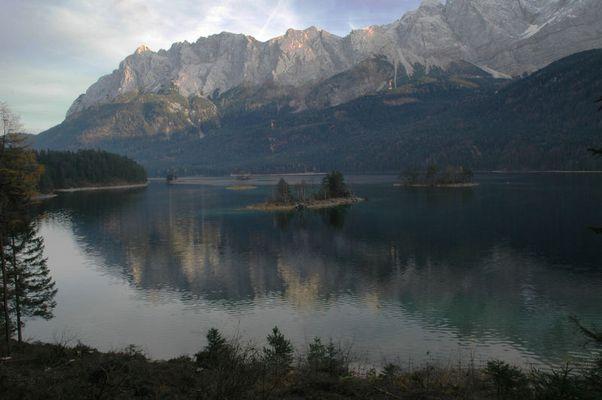 Eibsee mit Wettersteingebirge/ Garmisch Partenkirchen