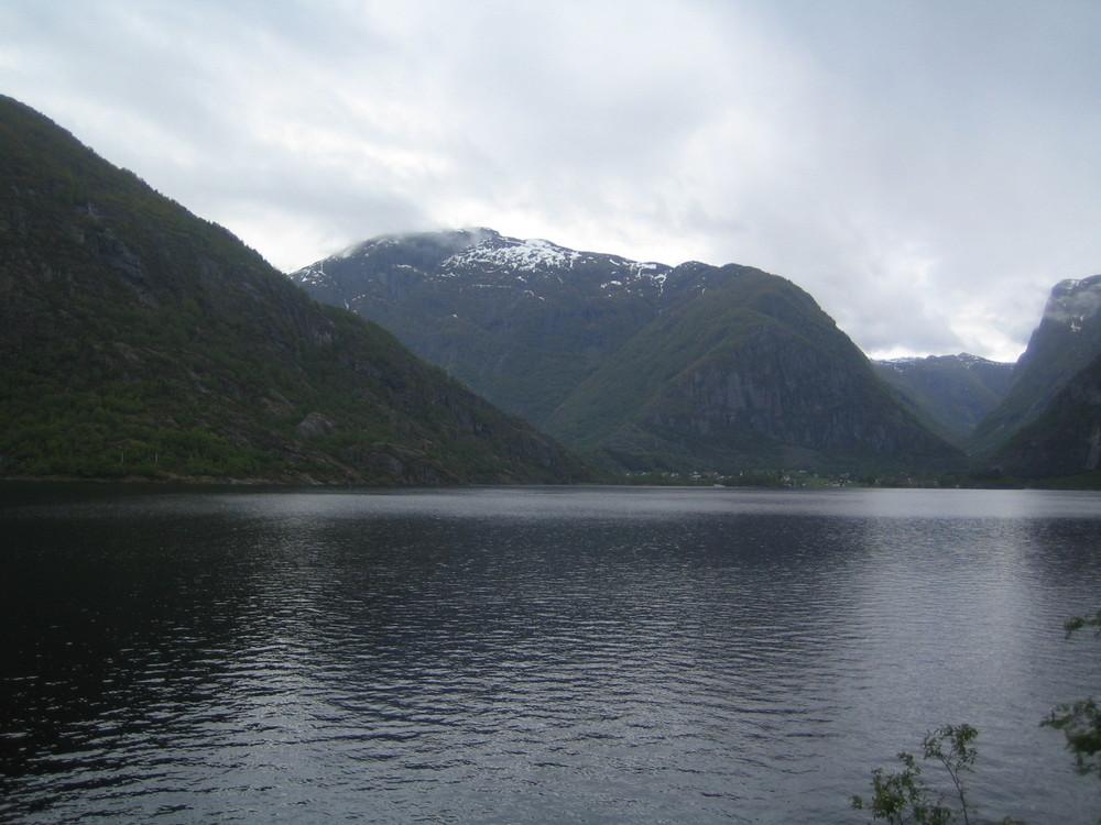 Eidfjord bei Regen.