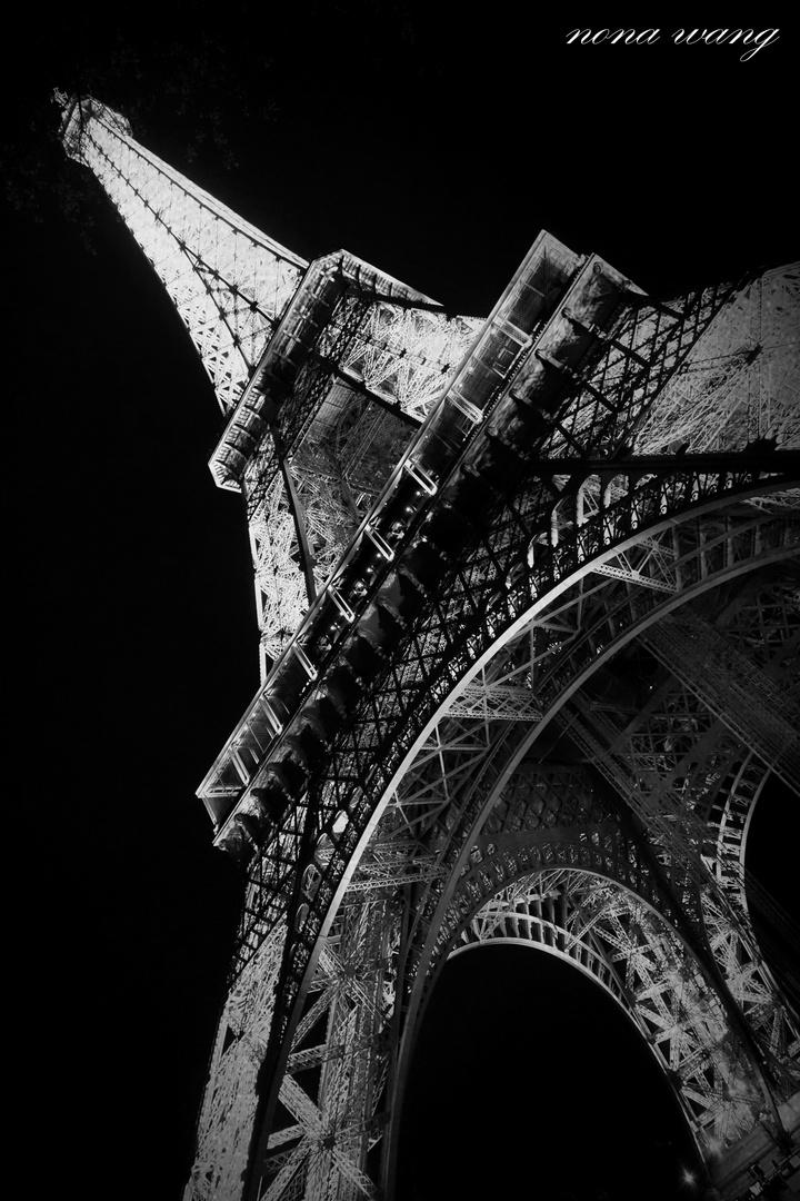 Eifel Turm bei Nacht