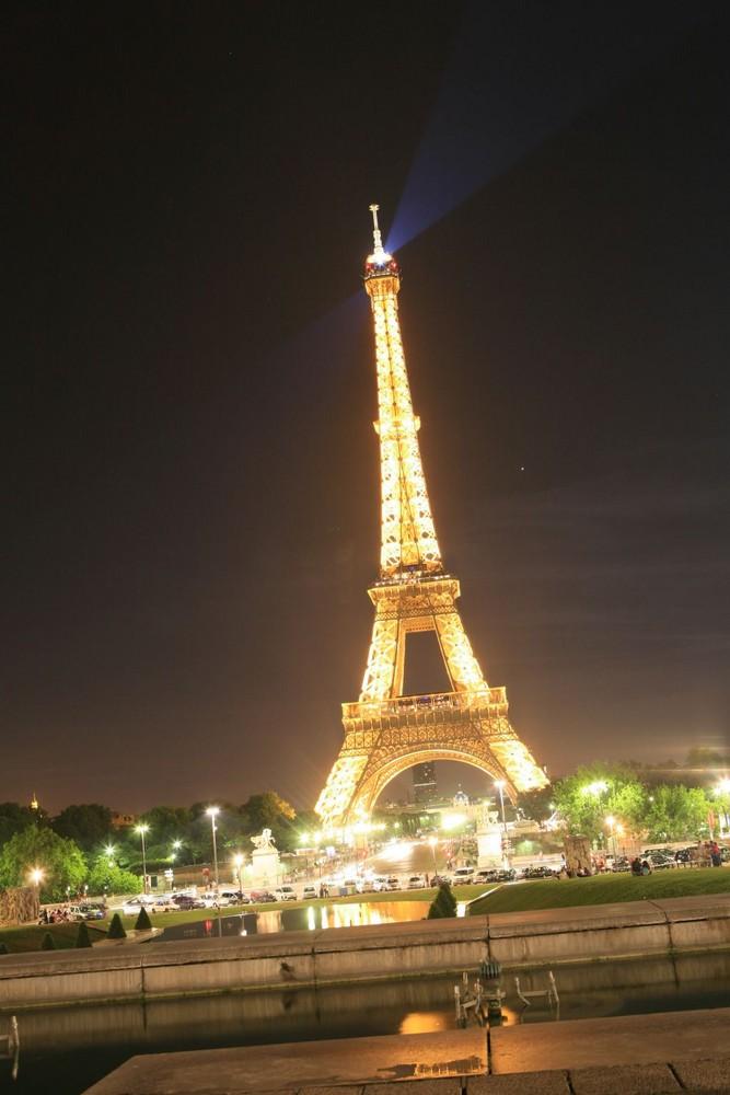 Eiffelturm bei 4sek.
